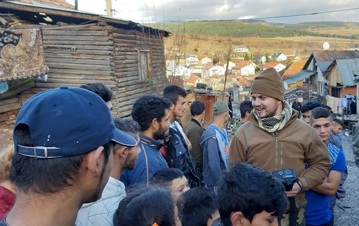 Šírenie strachu a nenávisti v osade - Foto: Martin Lipocky